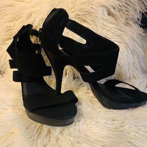 "SIZE 11 : BONGO Sandals w/4"" heel"